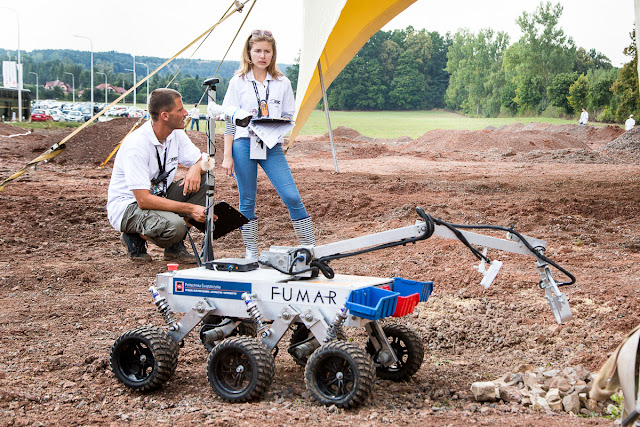 FUMAR rover of the Kielce University of Technology during ERC 2015. Credit: ERC