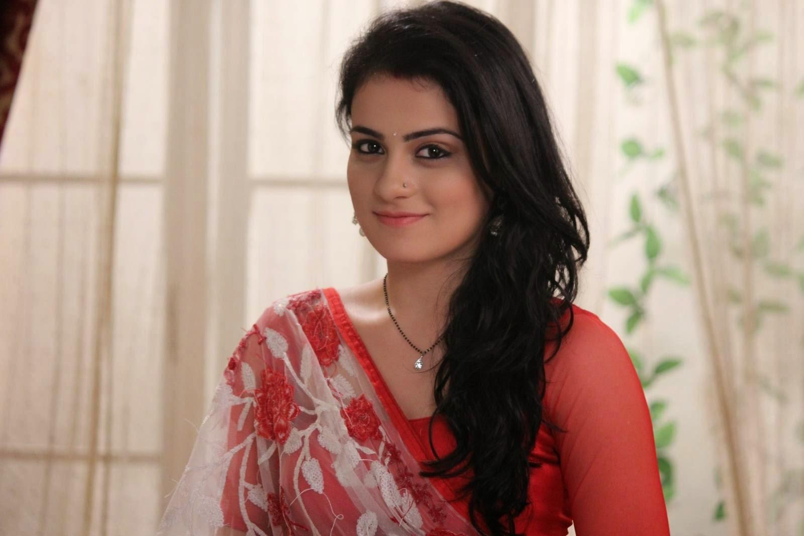 Radhika Madan As Ishani In Meri Aashiqui Tum Se Hi HD Wallpaper Free