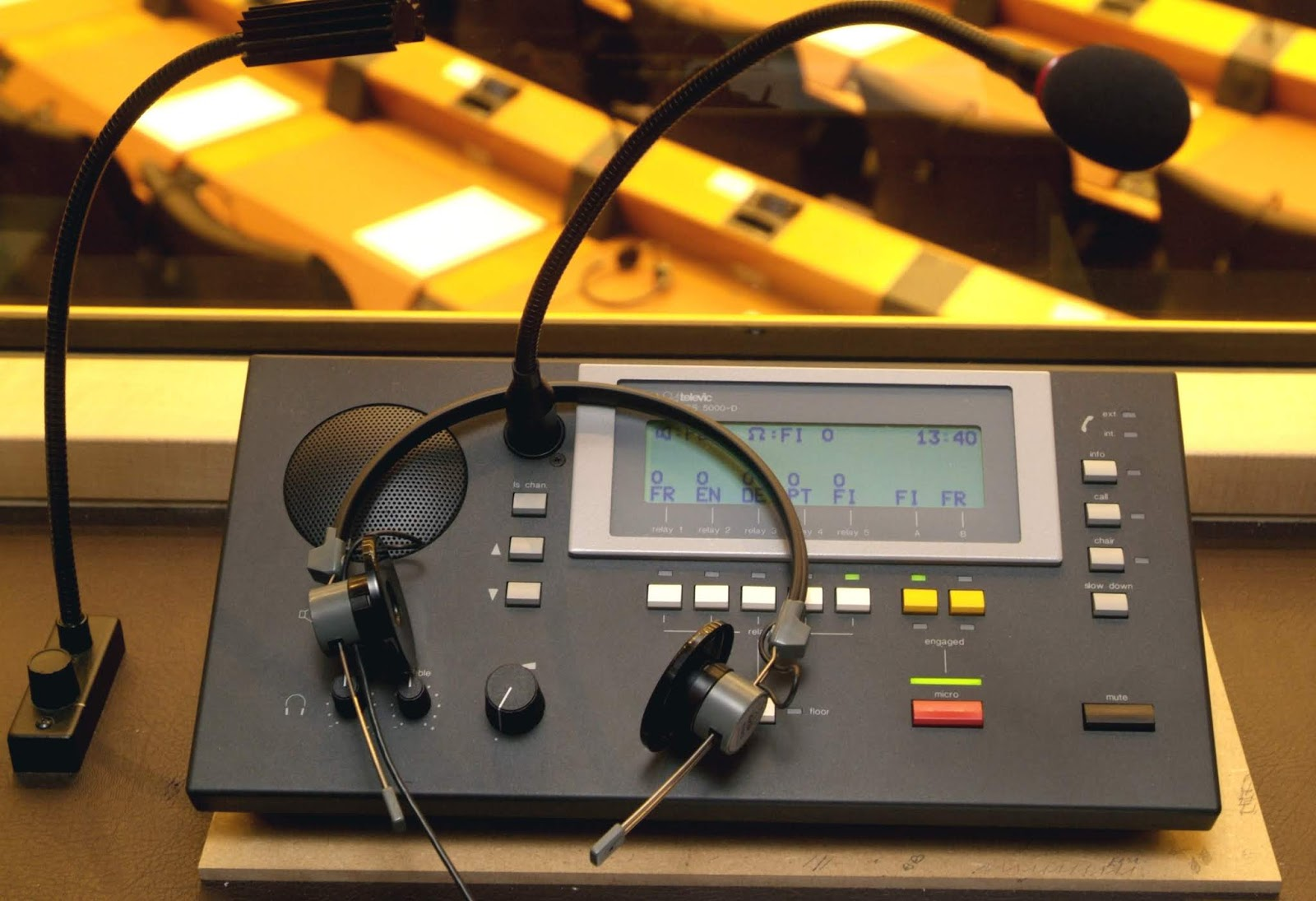 Explain Why Simultaneous Interpretation Is Important Ems Communications