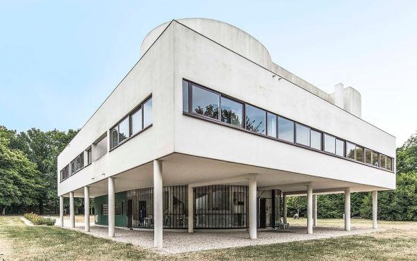 La villa Savoye (1928-1931), une des principales applications de la théorie des cinq points de l'architecture