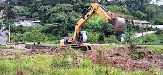 Programa 'Limpa Rio' em ação, na Posse, em Teresópolis