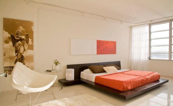 Kamar tidur besar sederhana minimalis