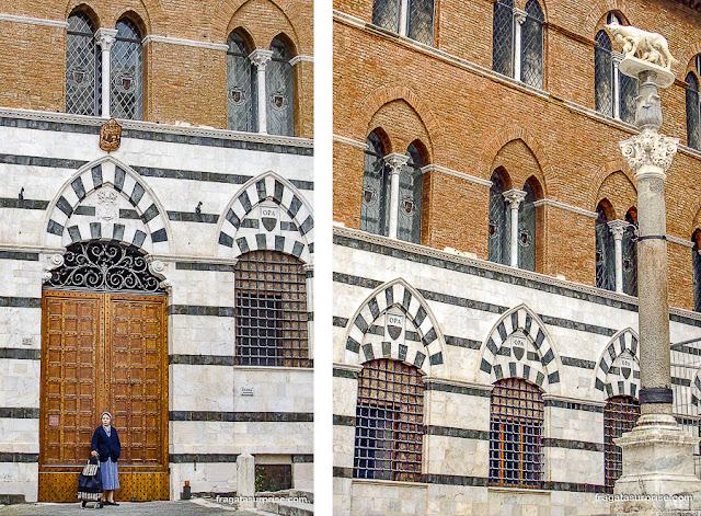 Praça da Catedral de Siena, Itália