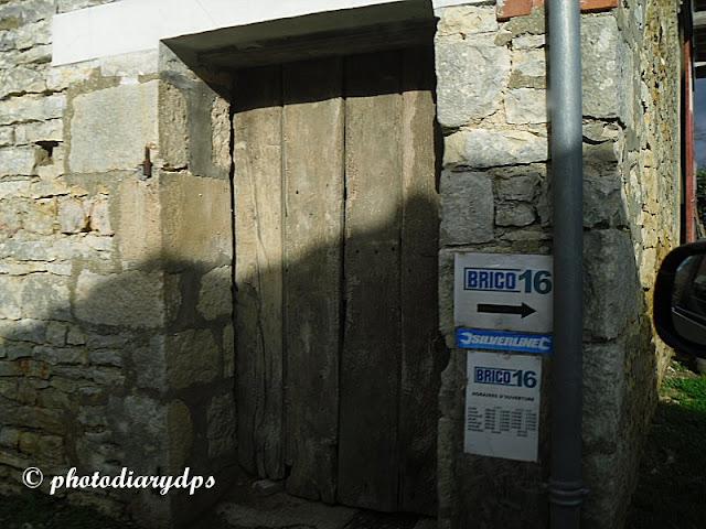 Photodiary A Trip To La Poste Brico And Le Clerc