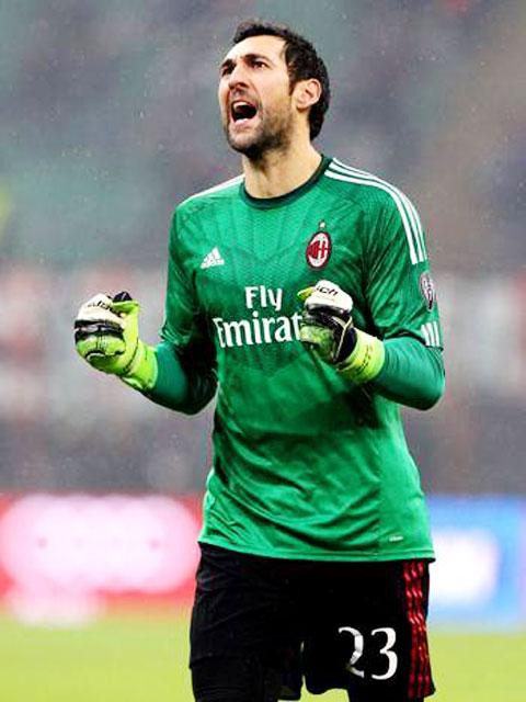 Diego Lopez đã từng được đánh giá là điểm sáng hiếm hoi của câu lạc bộ Milan vào mùa giải năm ngoái.
