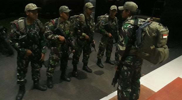 Pasukan Intai Amfibi Marinir Perkuat KN Tanjung Datu 1101