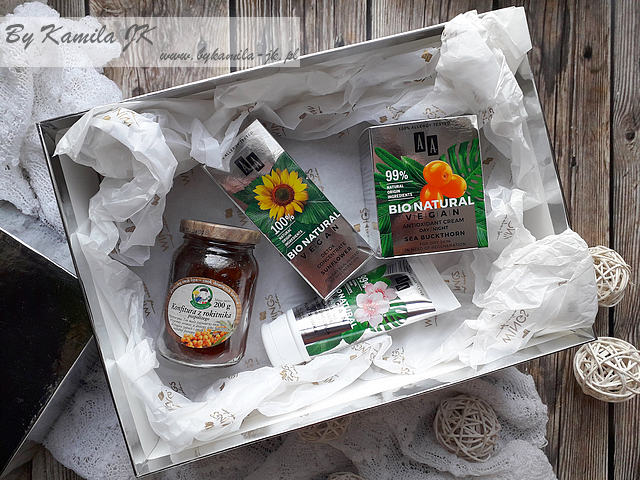 AA Bio Natural Vegan Pasta peelingująca ze śliwką Koncentrat z olejem słonecznikowym Antyoksydacyjny krem na dzień noc z rokitnikiem