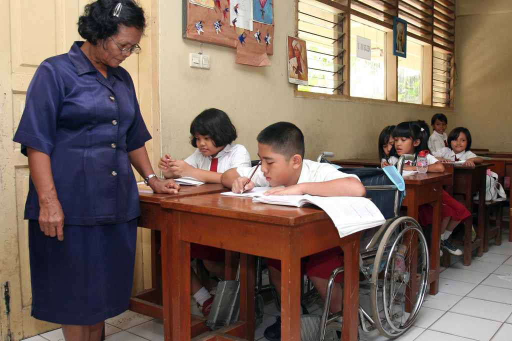 supporting childrens education indonesia - 1023×682