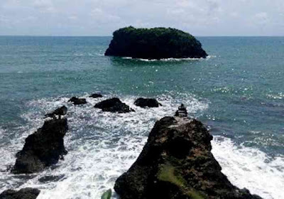 7 Wisata Alam Terbaik Di Pangandaran Pantai Keusik Luhur