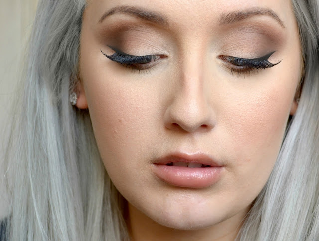 How to - Classic - smokey eye - look - Jane Iredale - naturally matte palette - eyeshadow - matte eyeshadow - tutorial - netural - eye make up - make up - review - swatches