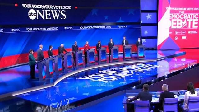 Aspirantes demócratas arremeten contra Trump en su tercer debate