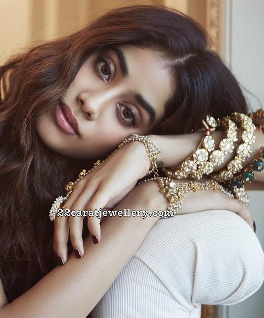 Janhvi Kapoor Meena Work Necklace