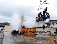 https://1.bp.blogspot.com/-Rj64jdXEwlU/VrTYD416I5I/AAAAAAAAGSA/rqRy5cdsFf8/s1600/Kamen_Rider_The_First_038.jpg