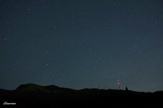 等到北斗七星/大熊座完全昇起,就可以準備搜尋Lovejoy彗星了。這幾天Lovejoy會在大熊座尾巴向右下延伸約半個尾巴距離附近的位置。