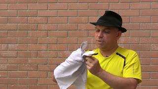 Manualidad Títere Conejo del pañuelo paso 07