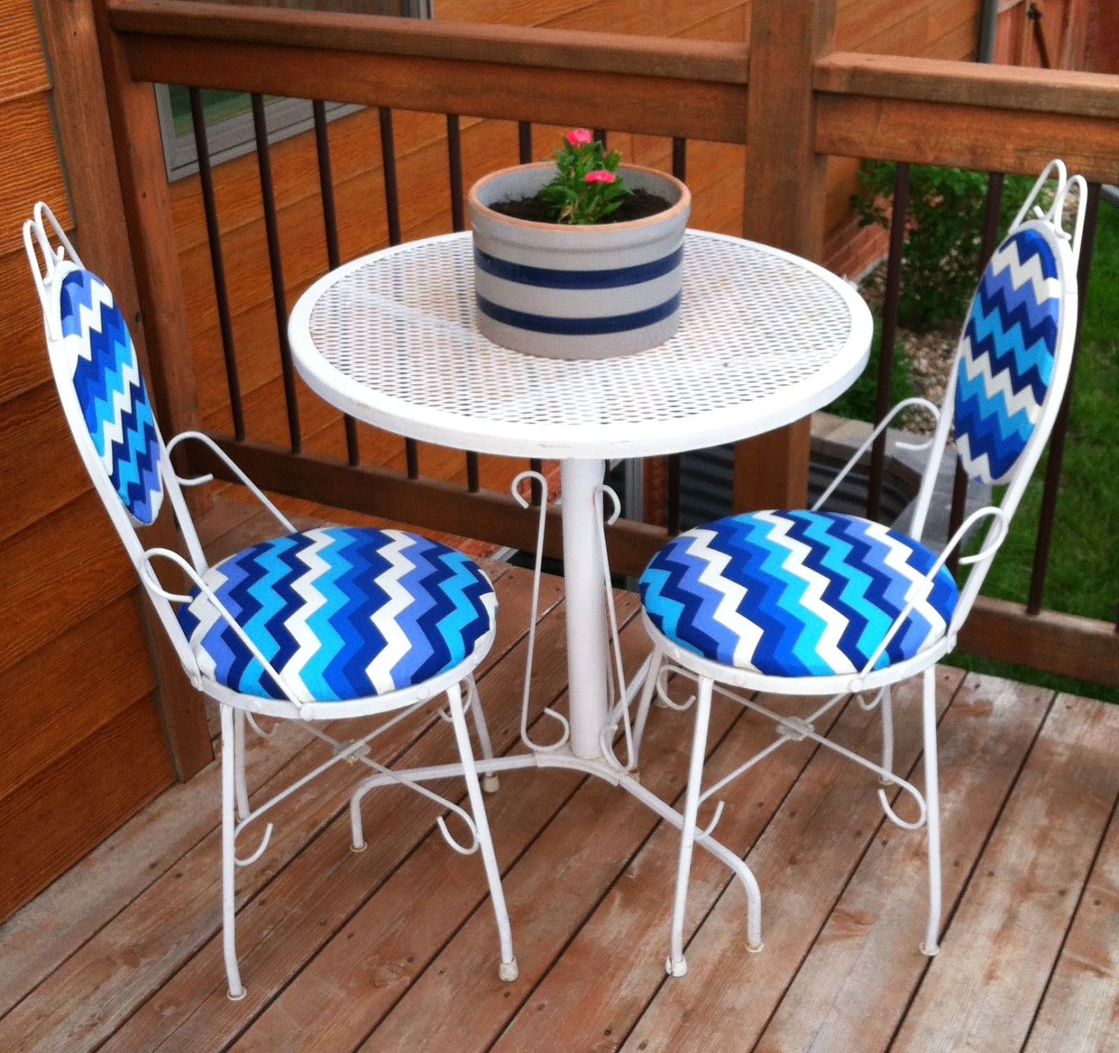 A New Look For Used Bistro Set