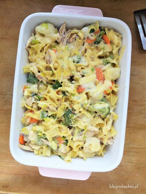 Zapiekanka makaronowa z brokułem i kurczakiem / Chicken Broccoli Pasta Bake