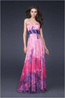 04b1ed9d5 MODELO 50: Se optar por um colorido para o seu Reveillon ou qualquer outra  festa, julgo este em tons de rosa em degradê, cintura marcada em tecido  azul e ...