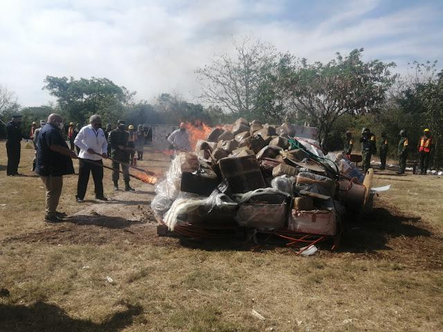 La SEDENA incinera narcóticos decomisados en Yucatán