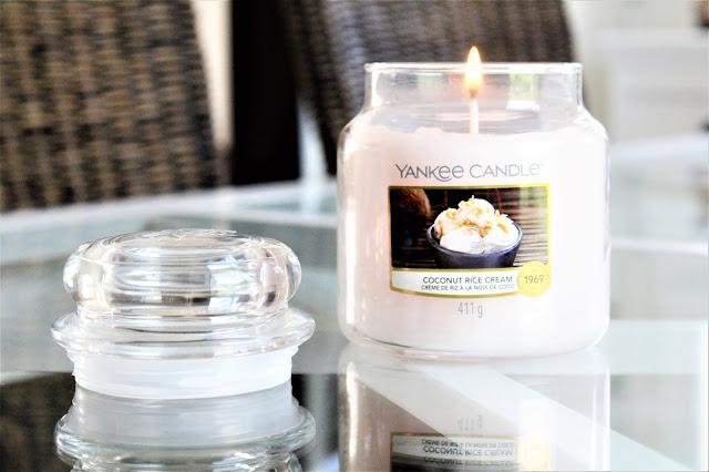 yankee candle coconut rice cream avis, bougie yankee candle coconut rice cream, coconut rice cream yankee candle, yankee candle coconut, yankee candle crème de riz à la noix de coco, bougie parfumée à la noix de coco, bougie parfumée, bougie yankee, yankee candles, candle review, scented candle, avis yankee candle