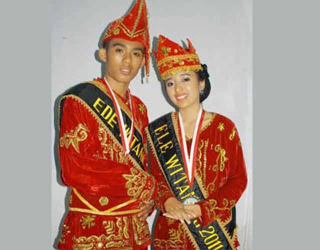 Pakaian Adat Sulawesi Tengah (Suku Mori)
