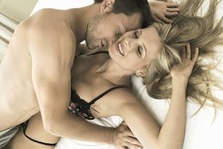 Xem phim chồng thích hôn chỗ kín của vợ khi quan hệ