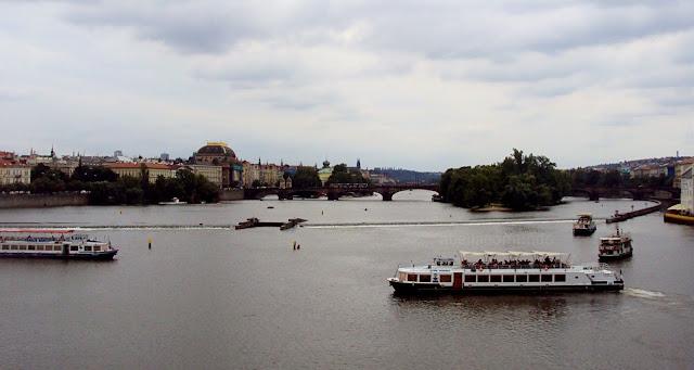 A Bella e o Mundo Praga - Republica Checa