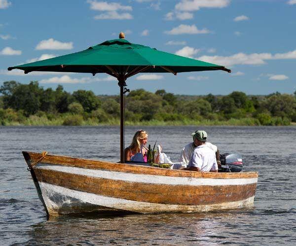 stelly-travel-Sunset dinner on the Zambezi