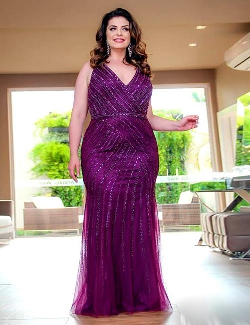 vestido longo violeta plus size