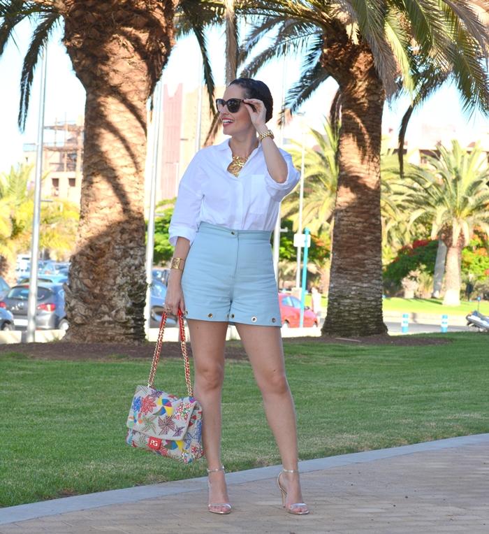 blue-shorts-aurelia-gil-bolso-purificación-garcía