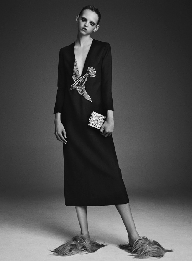 Gucci 2015 AW Black Bird-Embroidery Silk Gown Editorials