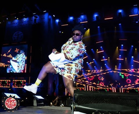 teni-biography-Teniola-delivers-energetic-performance-during-Afronation-Portugal