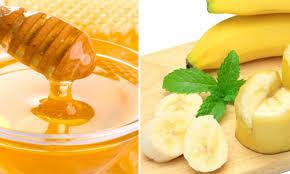 Chữa nám da bằng mặt nạ mật ong và chuối chín