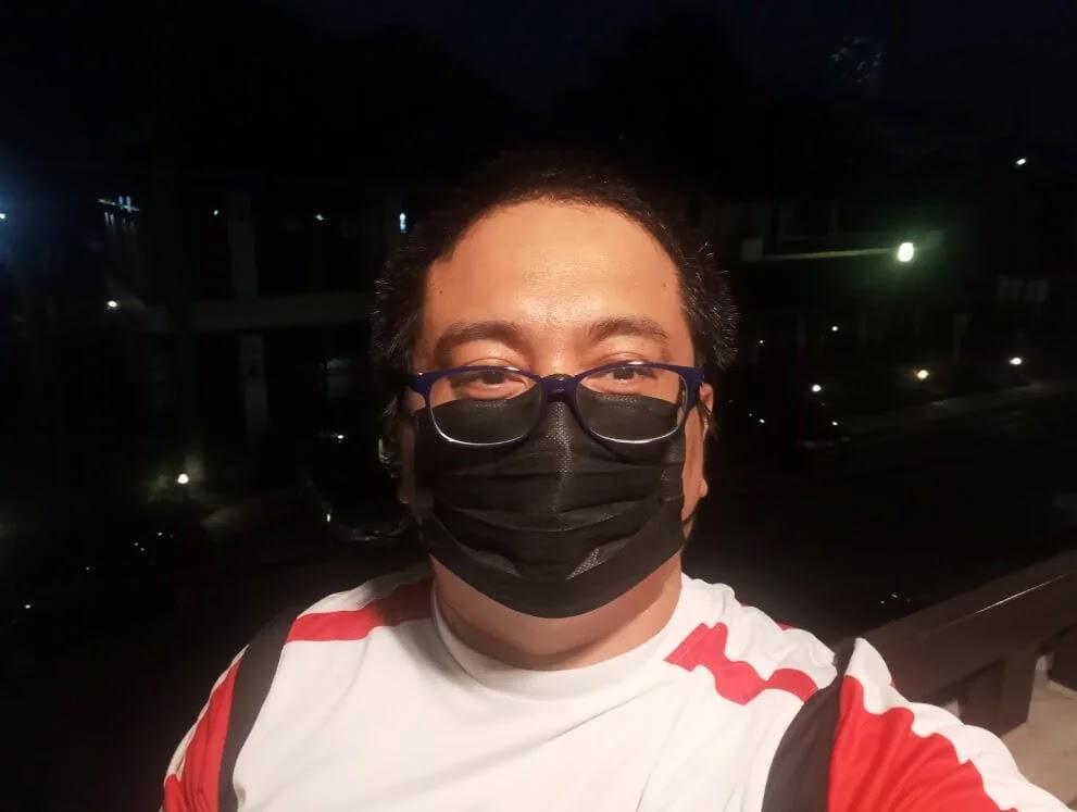 realme Narzo 30A Camera Sample - Night, Selfie
