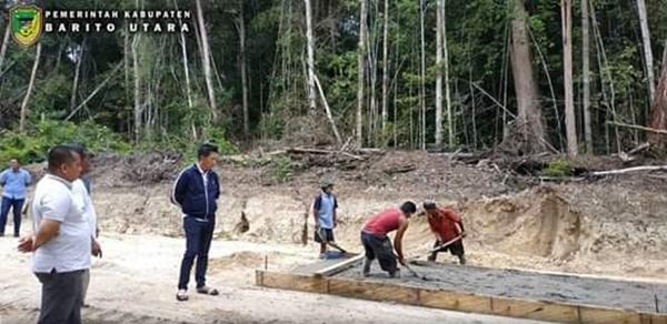 Jalan Tembus Lemo - Palangka Raya Di Jalan KM 16 - Durian Ramba Mulai Di Cor Rigid