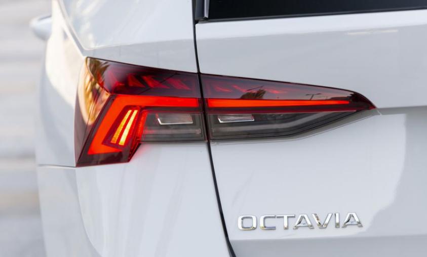 سيارة سكودا اوكتافيا Skoda Octavia Combi 2020