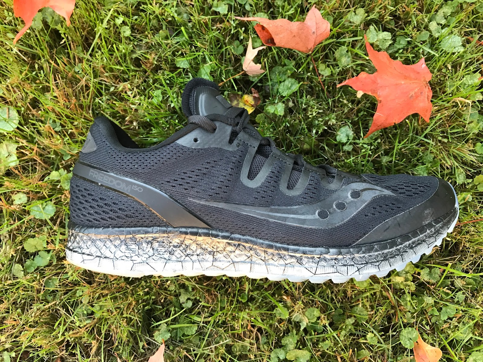 road trail run in depth altra running escalante review fire patrick the escalante is a lighter more flexible shoe than the dom a slightly softer feel underfoot and a more fluid transition during foot