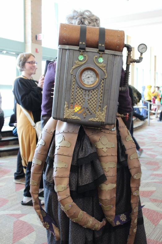 Steampunk ursula cosplay, villain to ariel, disney's little mermaid. Steampowered backpack and steampunk octopus tentacles complete the DIY costume.