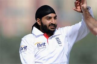 मोंटी ने अपनी किताब 'द फुल मोंटी' में अपने क्रिकेट के अनुभवों को बेबाक अंदाज में लिखा है।