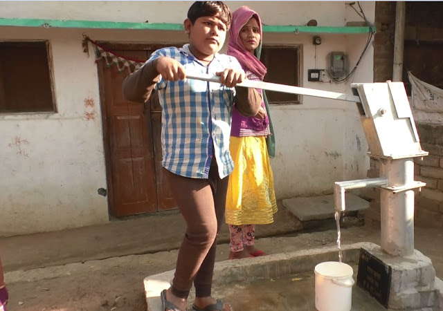 Congress Leader Lalan Kumar helps Villagers to get drinking water at doorstep