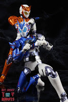 S.H. Figuarts Kamen Rider Valkyrie Rushing Cheetah 31S.H. Figuarts Kamen Rider Valkyrie Rushing Cheetah 48
