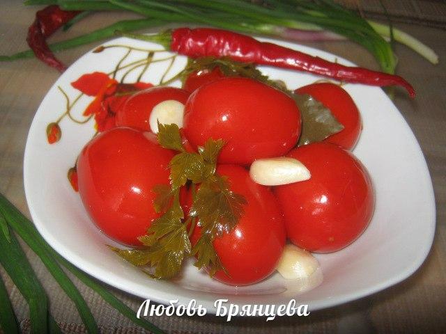 рецепт малосольных помидоров с чесноком и зеленью