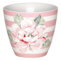 http://www.skanditrend.hu/decoration/porcelan-bogre-ditte-pink/