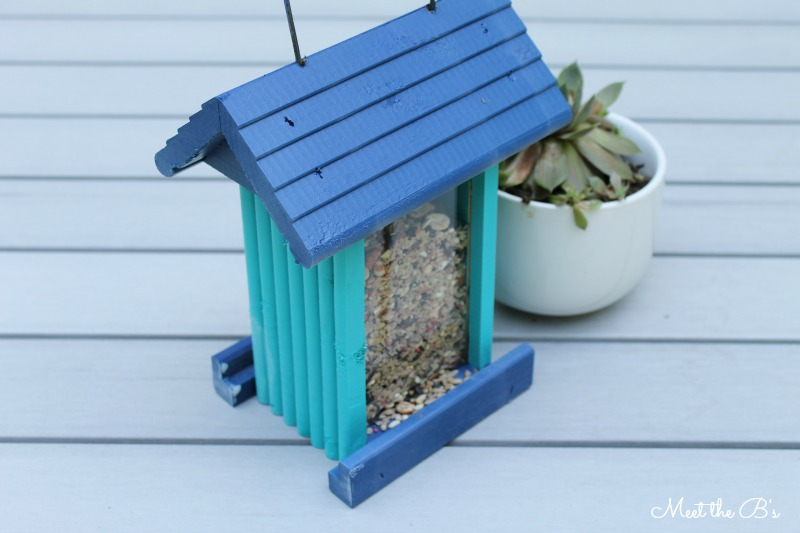 Easy painted bird feeder | Meet the B's