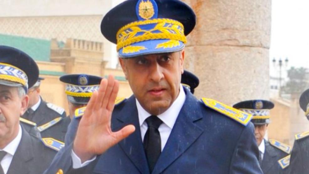 الحموشي يأمر بفتح تحقيق دقيق مع الأمنيين الذين ظهروا في فيديو وهم يعنفون مواطن بجرف الملحة