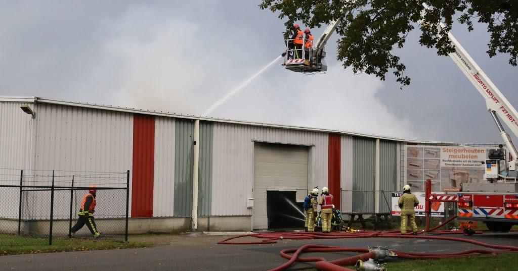 Jacob Musch Fotografie: Grote Brand bij een Meubelfrabriek in Wildervank 9....