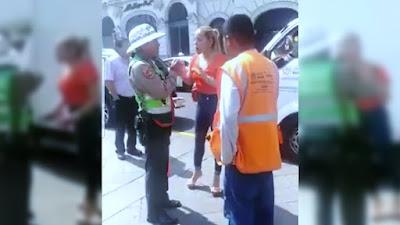 Abogada agrede verbalmente a policía de tránsito | VÍDEO