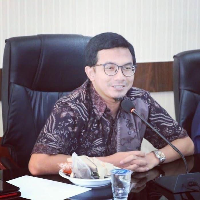 DPRK Banda Aceh Minta Perbanyak Lampu Penghias Taman Kota
