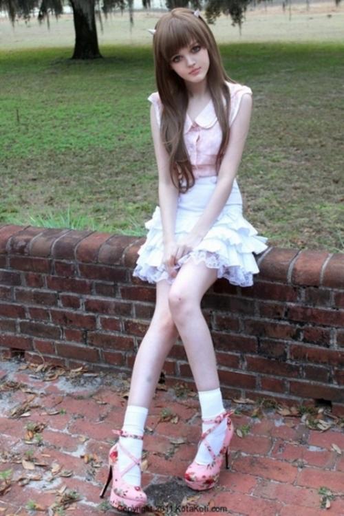 Девушка-кукла Дакота Роуз ~ Космополит К°