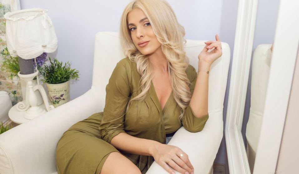 https://www.glamourcams.live/chat/NinaKatz